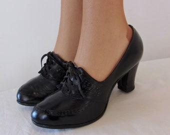 fe9b6cd373e So pretty 1940s 1950s black lace ups w high heels US 6   UK 4