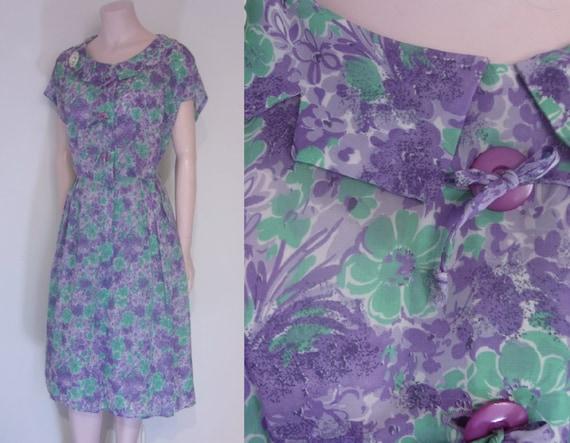 """Lovely 1950s sheer print day dress volup waist 34"""""""