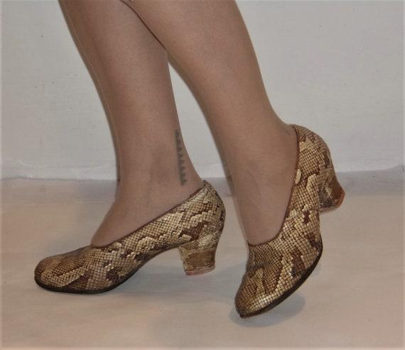Fun 1940s round toe chunk heel snakeskin shoes US
