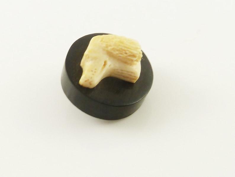 Vintage Black Round Button with Carved Dog\u2019s Head