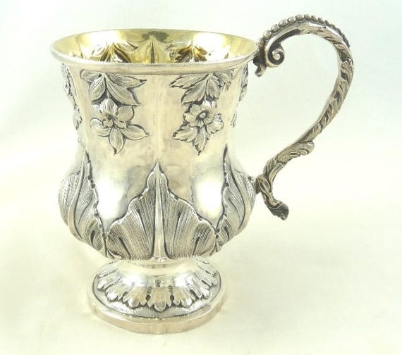 SILVER CHRISTENING CUP ENGLISH MADE HALLMARKED STERLING SILVER CHRISTENING MUG