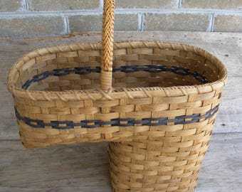Vintage Handwoven Stair Basket / Vintage Step Basket / Farmhouse Decor / Stair  Step Basket / Storage Basket / Primitive / Farmhouse Decor
