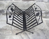 Vintage Black Iron Folding Magazine Rack / Grape Leaf Design / Cast Iron Rack / French Country / Towel Rack / Vintage Storage