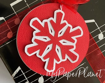 Christmas Snowflake gift tags. Red and white. Gift wrapping, Xmas gifts.