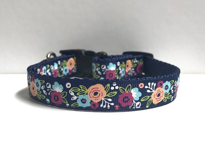 "5/8"" Floral on Navy collar"