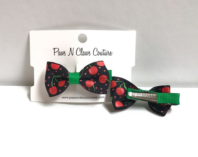 Very cherry bow clip