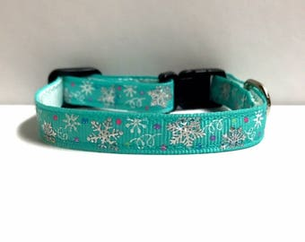"3/8"" Snowflakes on Teal Collar"