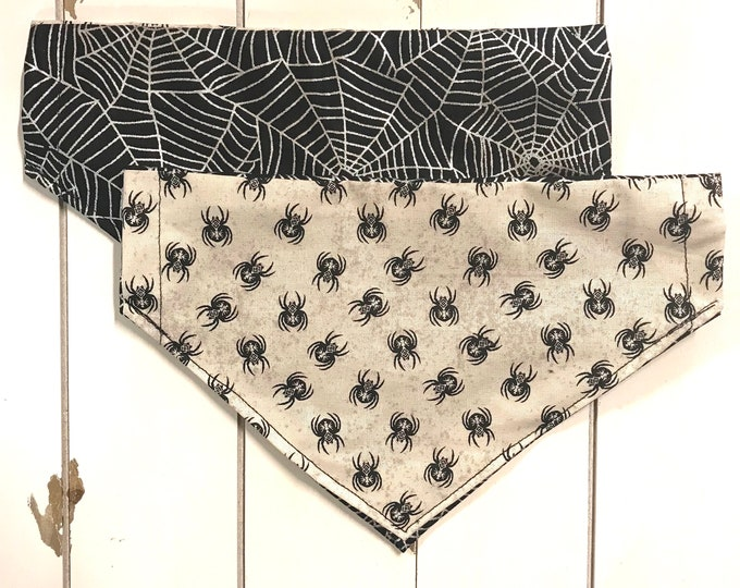 Reversible metallic web and spiders bandana