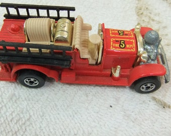 Matchbox Fire Engine Vintage 1980   Made in Hong Kong