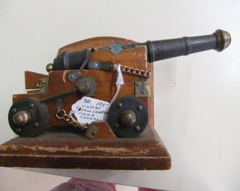 Vintage Black Powder Signal Cannon - Handcrafted Model of a Naval Cannon