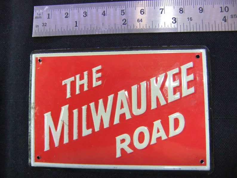 Vintage Railroad Emblem The Milwaukee Road  1950s Post Cereal image 0