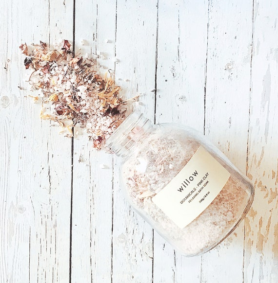 Botanicals + Pink Clay Relaxing Bath Soak with Resuable Cotton Drawstring Bath Tea Bag.