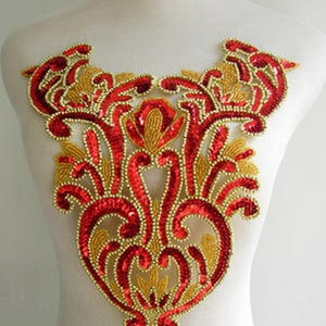 BD20 Fringed Floral Bodice Sequined Beaded Applique White Iris Sewing on DancewearSamba WearTutu