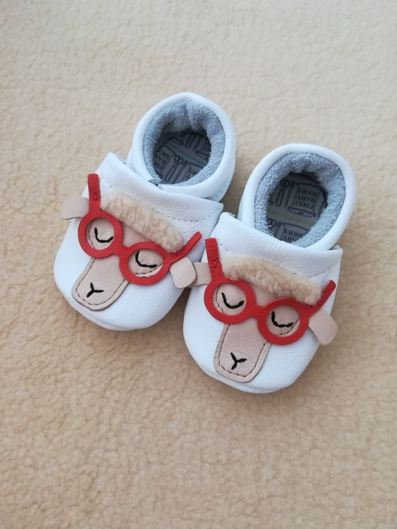 white baby shoes toddler shoes white leather baby shoes Sheep baby shoes first shoes baby moccasins baby boy shoes cute baby shoes