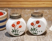 Vintage 1940s Hocking Vitrock Art Deco Red Circle Range Shakers with Red and Black Tulips Floral Design 4 quot x 4 quot