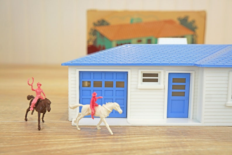 Plasticville Ranch House White Side Piece S-O Scale