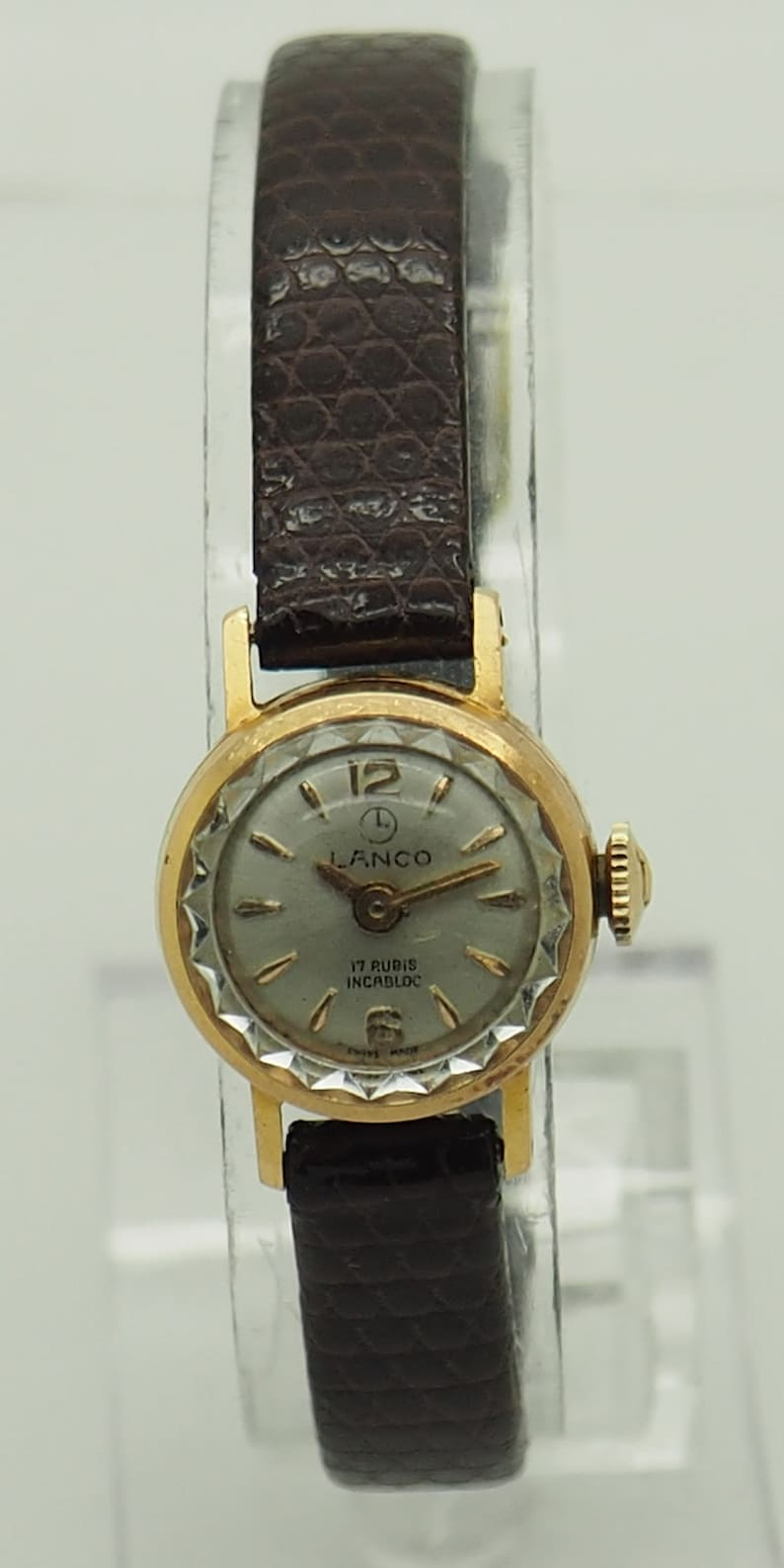 b198cc1922e Ladies Vintage 18K Yellow Gold LANCO Incabloc 17j 17mm Swiss