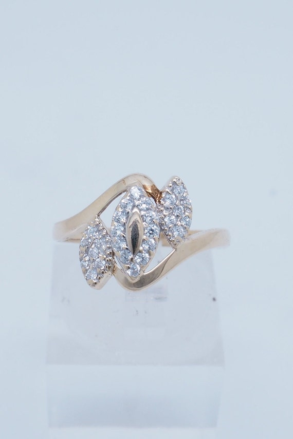 Lovely Cross Ring With 2.75ctw Cubic zirconia Made of 925 Sterling silver