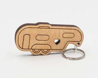 Fifth Wheel Camper Keychain - 5th Wheel Camper Charm - Camping Keychain - RV Engraved Wood Key Ring - Camper Trailer - RV Keyring