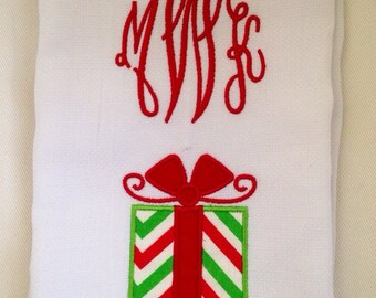 Monogram Christmas Guest Towel with Present Appliqué / Christmas Decor / Holiday towel