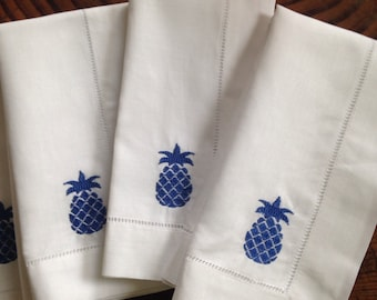 Linen Dinner Napkin with Embroiderd Pineapples - Set of 4 / Wedding Gift