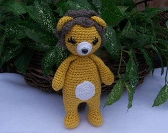Free Crochet Monkey Amigurumi Pattern - thefriendlyredfox.com | 270x340