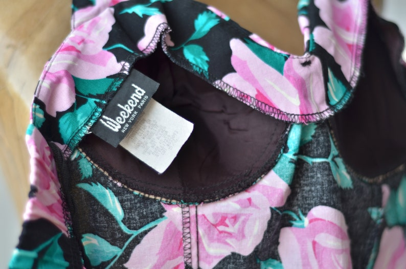 80s does 50s Vintage FLORAL SWEETHEART SUNDRESS by Weekend Halter Top Bustier Circle Skirt Pinup Black Pink Roses Cotton Mini Patio Dress