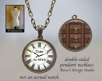 Temps de catalogue de cartes collier - livre amant bijoux - bibliothèque à  lire bibliothécaire - montre de poche - bijoux - temps de lecture - cadeau  ... 0f0821ca2eb