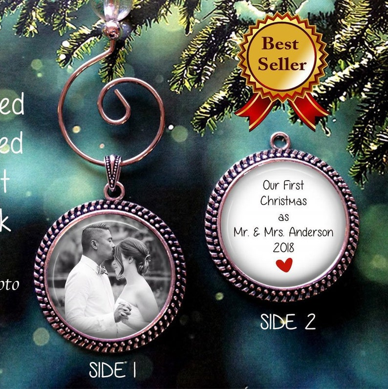 Erstes Weihnachts-Dating-Ornament