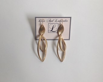 Gold /silver plated dangling droplet earrings