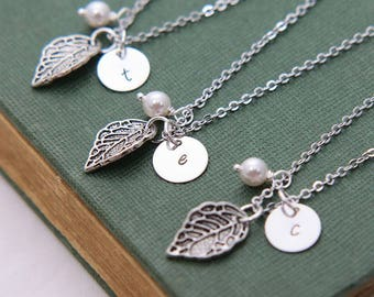 Bridesmaids gifts, Bridesmaid Necklace, Set of 3 Leaf Initial Necklace, Personalized Necklace, Pearl Necklace, Thank you gift for bridesmaid