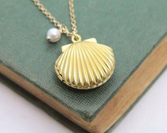 Sea Shell Necklace, Sea Shell Locket Necklace, Seashell Locket Pendant, Shell Locket Necklace, Gold Locket, Beach Wedding, Nautical Wedding