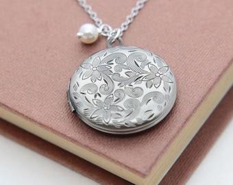 Silver Locket, Locket Necklace, Round Locket Pendant, Floral Locket Necklace, Bridesmaid Necklacet, Bridesmaid Jewelry, Wedding Jewelry