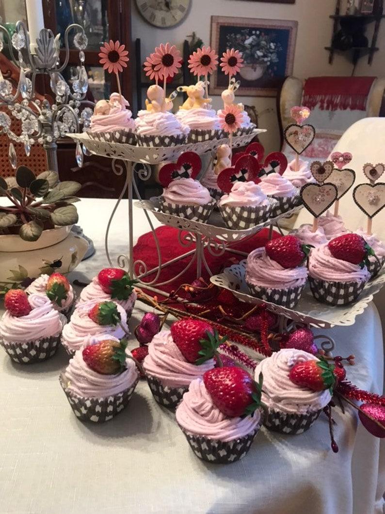 Faux Cupcake Strawberry Black And White Check