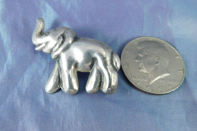 15/% OFF Vintage Sterling Puffy Elephant Brooch Mexico Sterling Silver