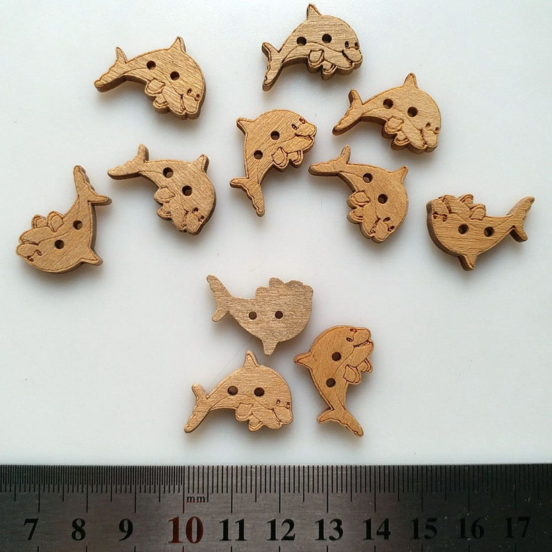 Embellishments Card Toppers Crafts 50 x Wooden 23mm Bird Buttons