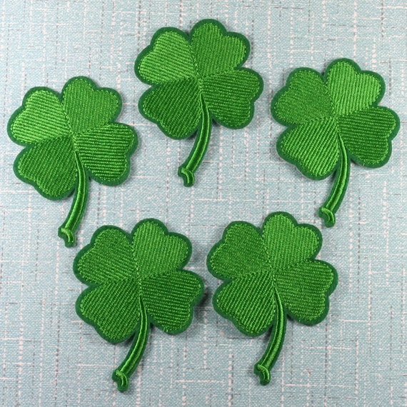 """Set Of 4 SMALL 1/"""" Embroidered Iron On Applique Patches SHAMROCK LOVE Irish"""