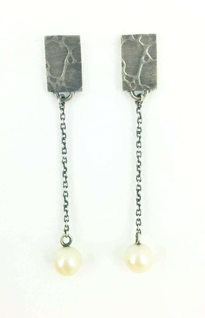 Made in Montreal Jewels with pearls Handmade jewelry Pendent earrings Delicate jewel Textured jewelry Silver sterling earrings