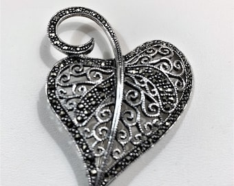 """Vintage Sterling Silver Large Leaf Brooch, Filigree Hand Work, Marcasite Faceted Stones, 2"""" L. 1.5"""" W. 11.40 Grams. 1980's, Free US Shipping"""