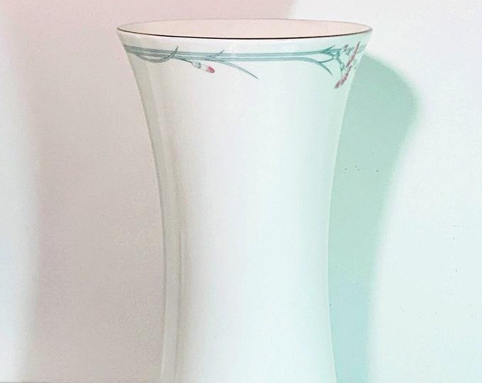 "Royal Doulton© England 1982 Juliet H5084 - 9"" Tall Vase,  English Fine Bone China, Unique Texture - Pattern & Colors, Top Grade Condition."