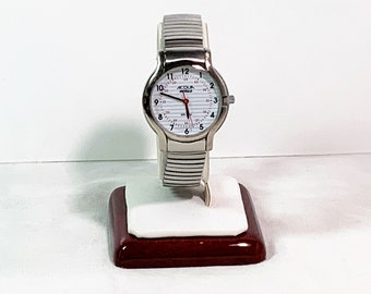 Timex Acqua Indiglo Dial Nurse Watch, 30M Water Resistant, Red Seconds Hand, Stainless Steel Expansion Band, 32 mm Case, Works Perfectly.