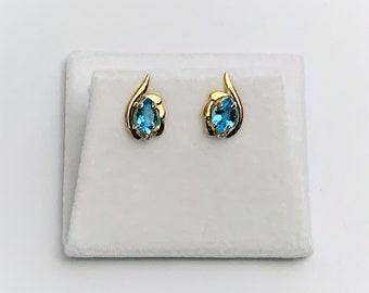 14K Yellow Gold Swiss Blue Topaz & Small Diamond Earrings, Pear Shape 6 X 4 m. 1.06 Carat T.W, 2 Round Diamonds .04 Carat. Free US Shipping.