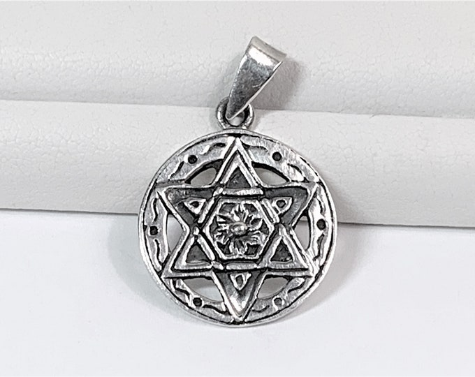 """Vintage Sterling Silver Star of David Flower Pendant, 3/4"""" Circle, Hand Made in Israel. Free Demostic Shipping"""