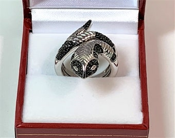 Sterling Silver Snake Ring, Faceted Black CZ, Realistic Texture of a Snake, Size 7 (Adjustable), 9.80 Grams. Original