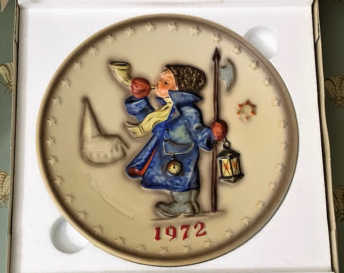 """Vintage Collectible Hummel Annual Plate Year 1972, 3 Dimension Scene """"Night Watcher"""", Rodental - West Germany. 7.5"""", Mint in Original Box"""