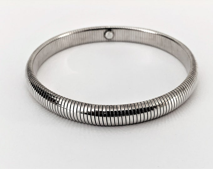 Sterling Silver Omega Flexible Slide On Bangle, 8 mm Wide, Top Quality Italian Made, Signed, 13.70 Grams. Refinished. Free US Shipping.