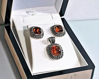 Vintage Sterling Silver Natural Baltic Amber & Marcasite Earring and Pendant Set, Cushion Shape. 18mm Earring, 28mm Pendant. Exquisite Set.