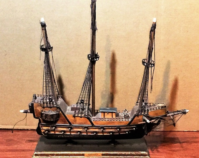 "Antique Model Ship,Columbus Flagship Santa Maria, In Full Details, Amazing Old Scool Craftsmanship, 22"" long"