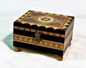 "Spain Laguna Recuerdo De Granada Hecho A Mano Wood Mosaic Inlay Music Jewelry Box, 4"" W. 3.25"" L. Plays Smoothly. Free US Shipping."