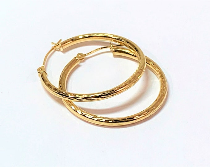 14K Yellow Gold Hoop Earrings, Diamond Cut Pattern, 26 mm Diameter, 2 mm Gauge (thickness), Sparkly. Free US Shipping.